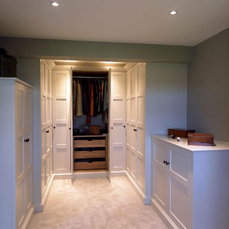 Gentleman's Dressing Room Fits Perfectly